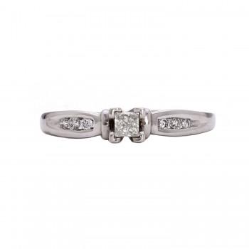 Ladies Platinum Diamond Ring
