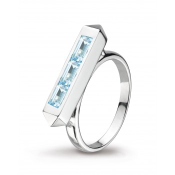 Ladies Blue Topaz Ring / Silver